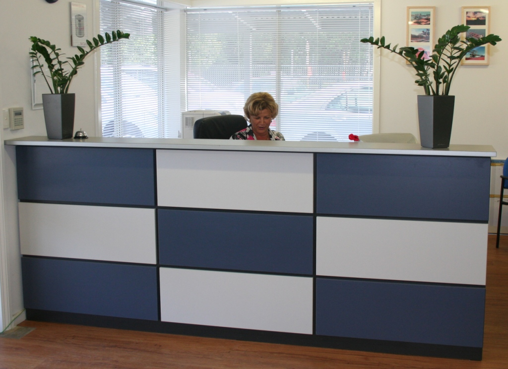 ... CHEQUER FRONT RECEPTION COUNTER 1 ...